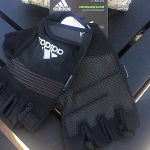 ❤️NWT!!!❤️ Adidas Men XL Workout Gloves.